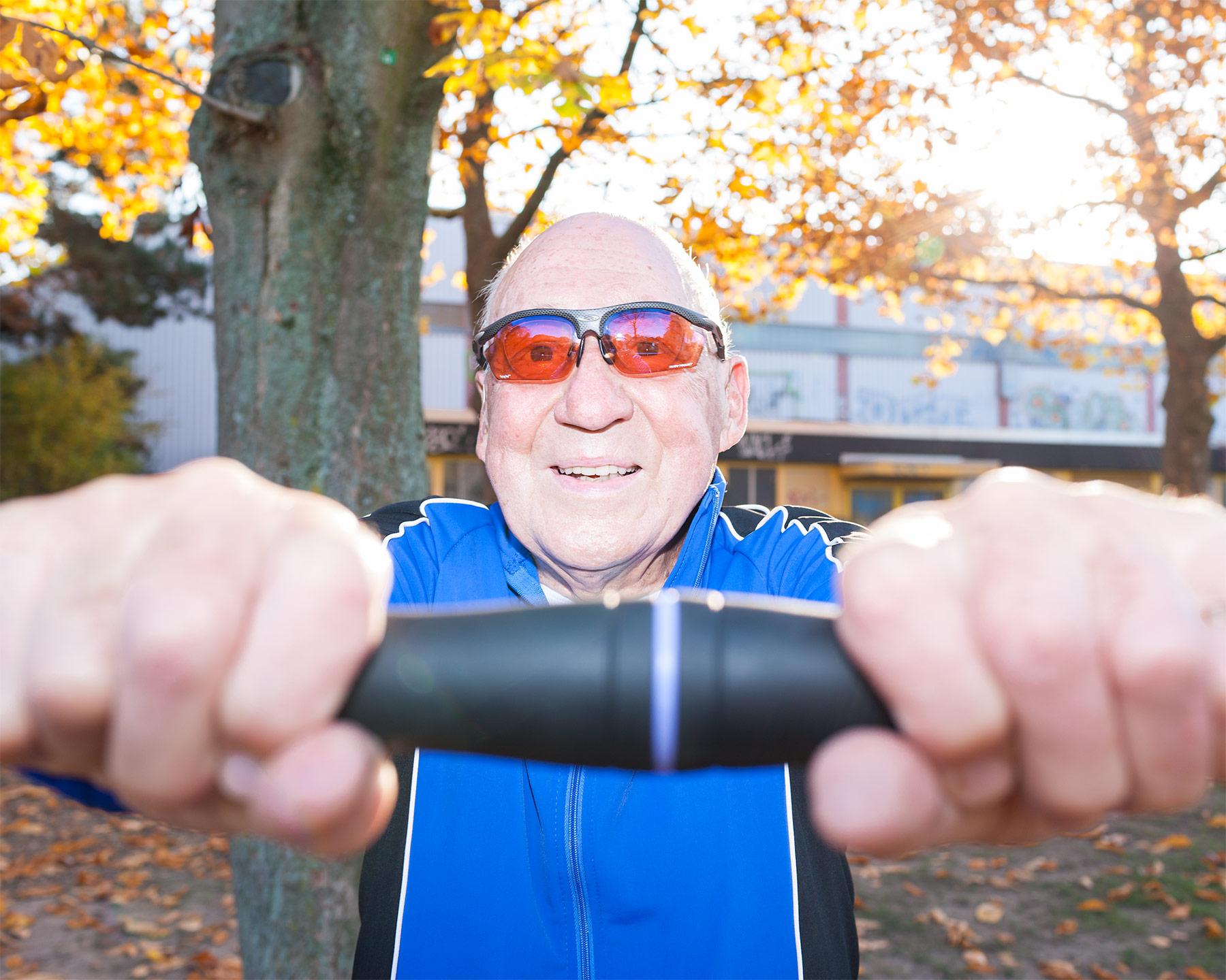 Businessfotografie Storytelling Fotografie Portrait sportlicher Rentner